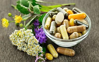 Les compléments alimentaires, huiles essentielles et aromathérapie
