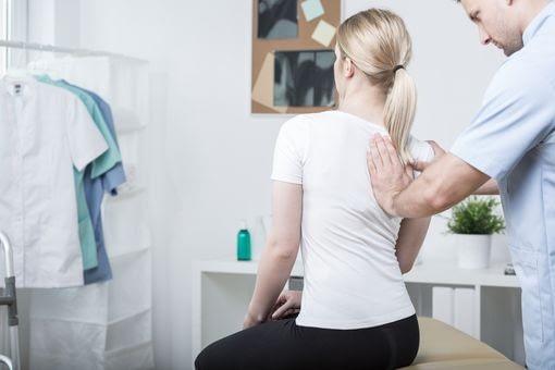kiné mal de dos, thérapie manuelle, mal de dos liège, kiné, kinésithérapeute liège, maux de dos, craquer le dos
